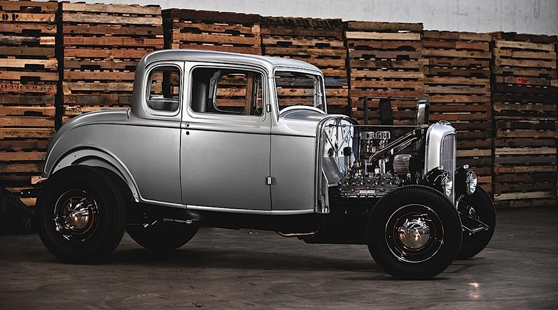 UNITED PACIFIC '32 FORD BODIES AT SUMMIT RACING - Cruzin